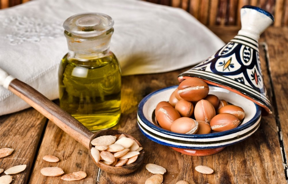 Treatment of tuberculosis with argan oil